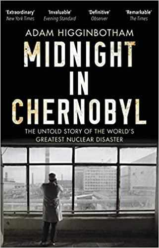 Midnight in Chernobyl: The Untold Story of the World's Greatest Nuclear Disaster - Paperback