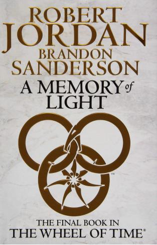 A Memory Of Light Wheel of Time Book 14 -