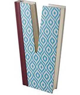 Alphabooks Letter V